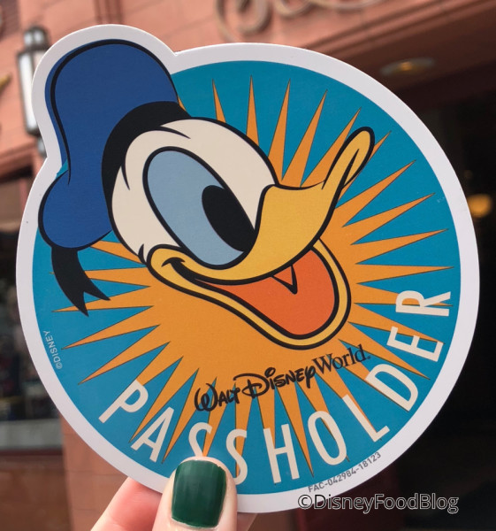 Annual Passholders Magnet: Donald Style