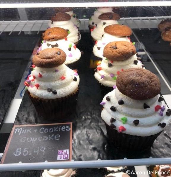 The cupcakes look deliciuos!