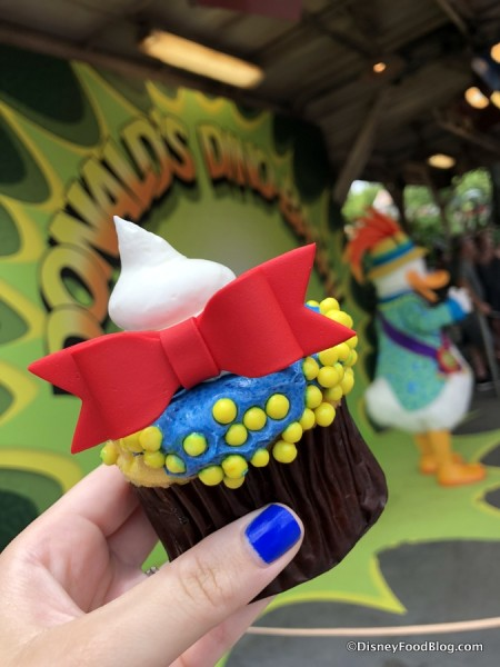 Donald's Dino-Bash Cupcake