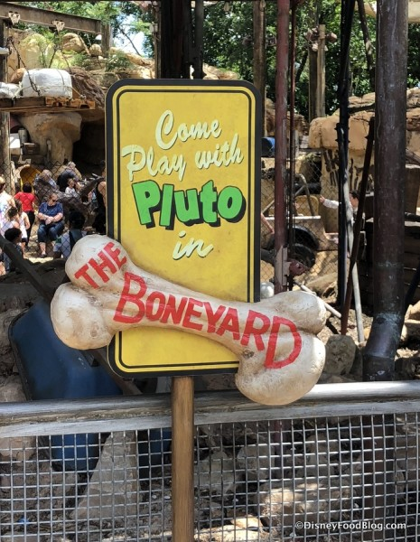 Pluto sign
