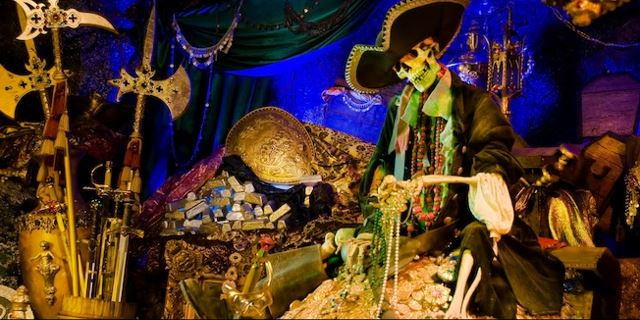 Pirates of the Caribbean RETURNS to Disneyland!