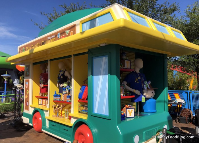 Play Family Camper Merchandise Stand