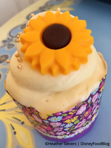 Lemon Honey Cupcake