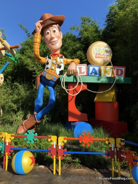 TOY STORY LAND!!