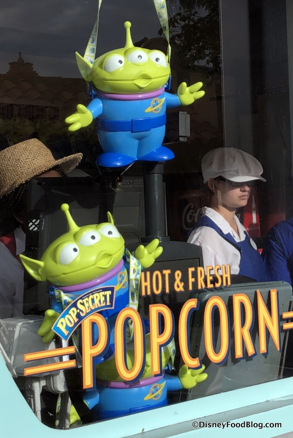 Alien popcorn buckets in toy story land get yours before - Little green paris ...