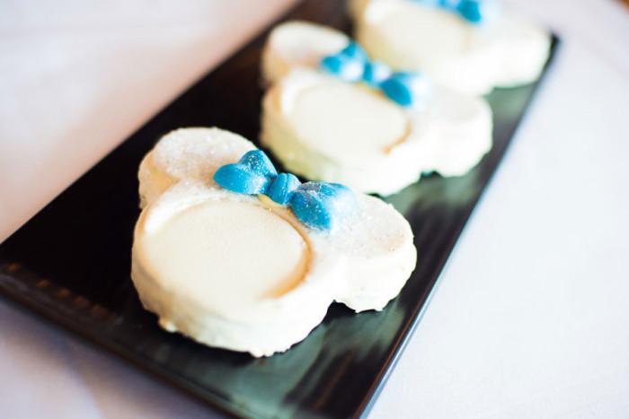 Rainbow Cookies 'n Cream Blondie
