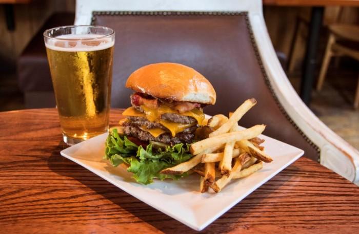 Super Triple Burger at D-Luxe Burger ©DisneySprings