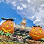 Halloween is HERE in Disney World's Magic Kingdom!