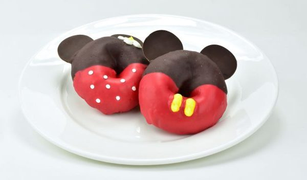 V.I.Passholder Pop-Up Event for Mickey's 90th Celebration: Merch, Mickey and Minnie Doughnuts, and More!