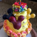 Review! Mickey's Birthday Cake Cupcake at Contempo Cafe in Disney World's Contemporary Resort!