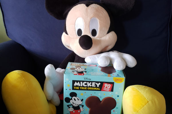 Review: Mickey Bars Are Now In Your Grocery Store! But Are They As Good At Home As They Are In The Parks?!