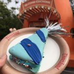 Disneyland Review: Birthday Hat Macaron at Cozy Cone Motel in Disney California Adventure