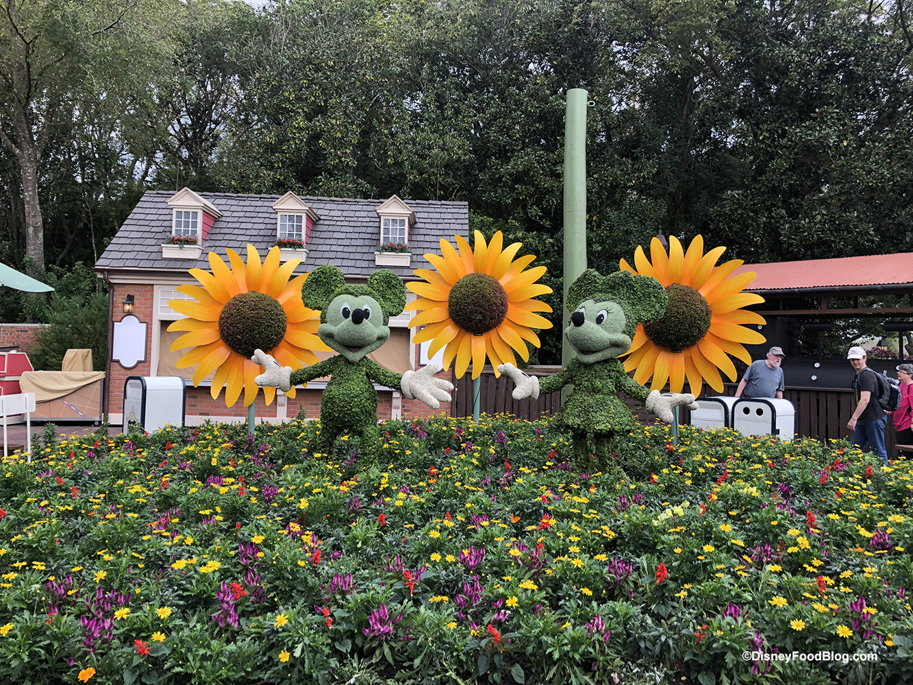Photos Even More New And Returning Topiaries Are Popping Up For Epcot S Flower And Garden Festival The Disney Food Blog