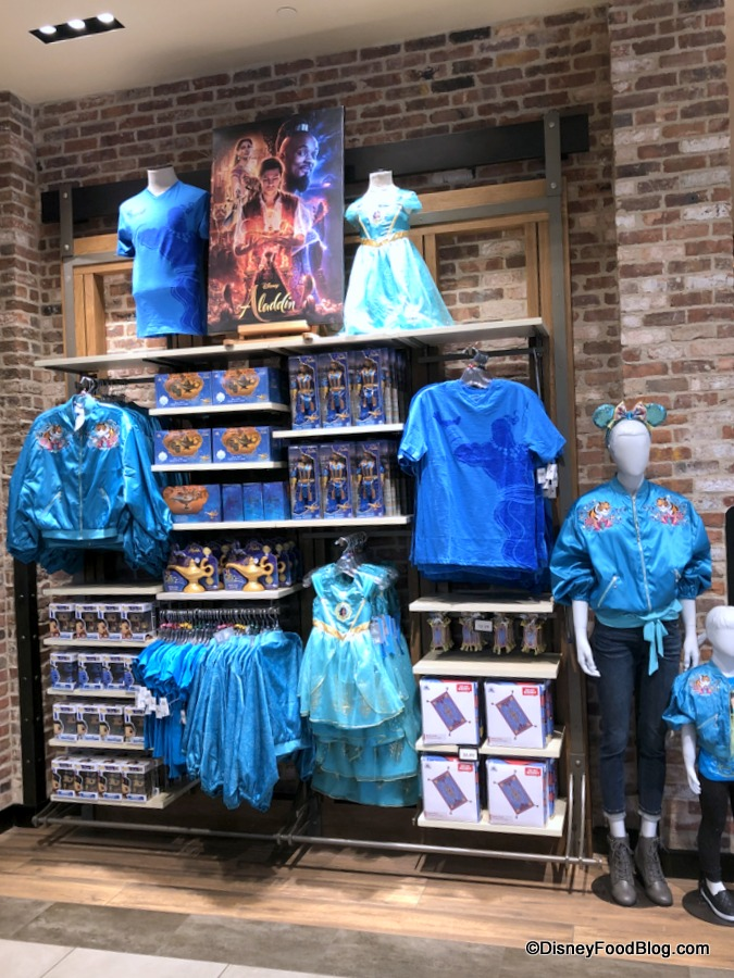 What S New At Disneyland Menu Updates More Construction