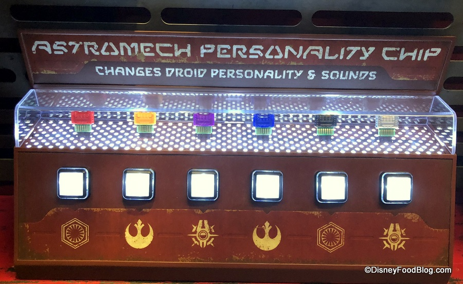 RED Astromech Personality Chip Disneyland Galaxy's Edge Star Wars Droids NEW