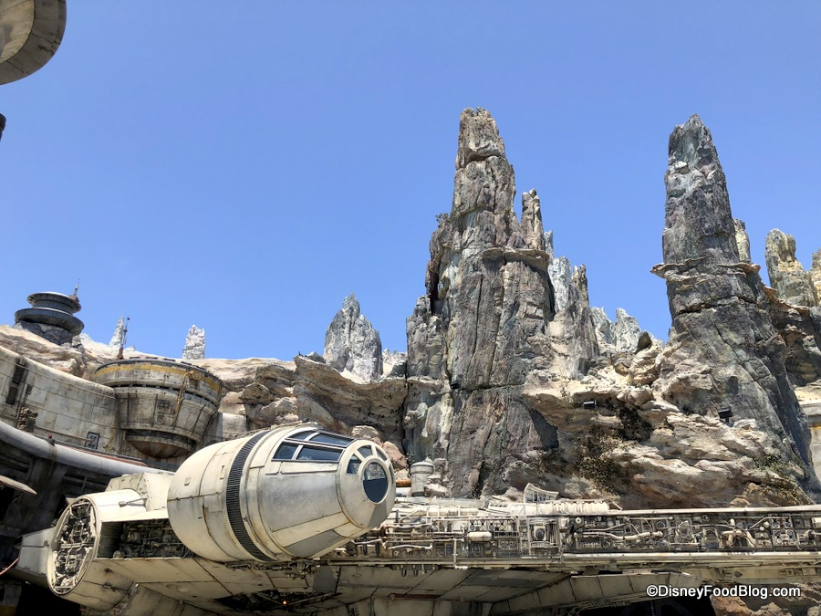 A New Way to Experience Star Wars: Galaxy's Edge in Disney
