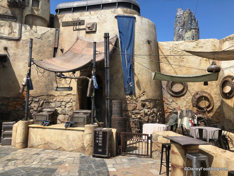 DETAILS AND PHOTOS! Build Your Own Lightsaber at Savi's