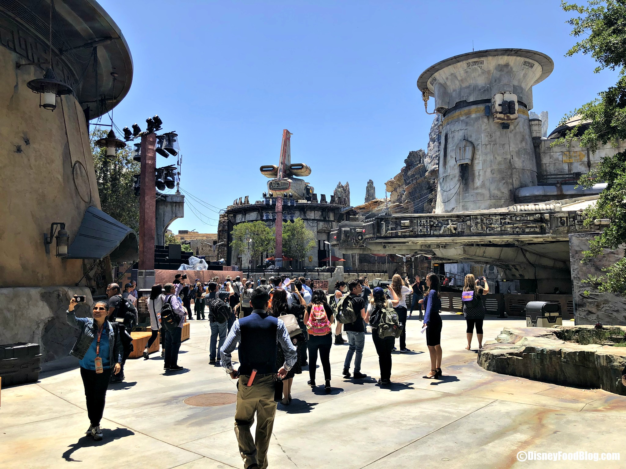 We Ve Been Inside Here S The Ultimate Guide To Disney S Star Wars Galaxy S Edge The Disney Food Blog