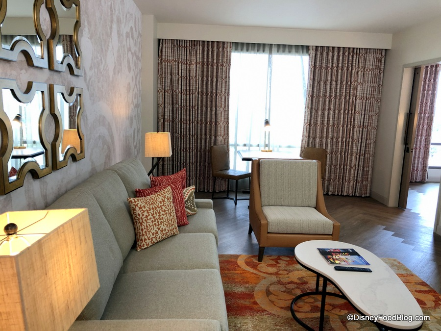 Photo Tour Deluxe Club Suite And The New Chronos Club