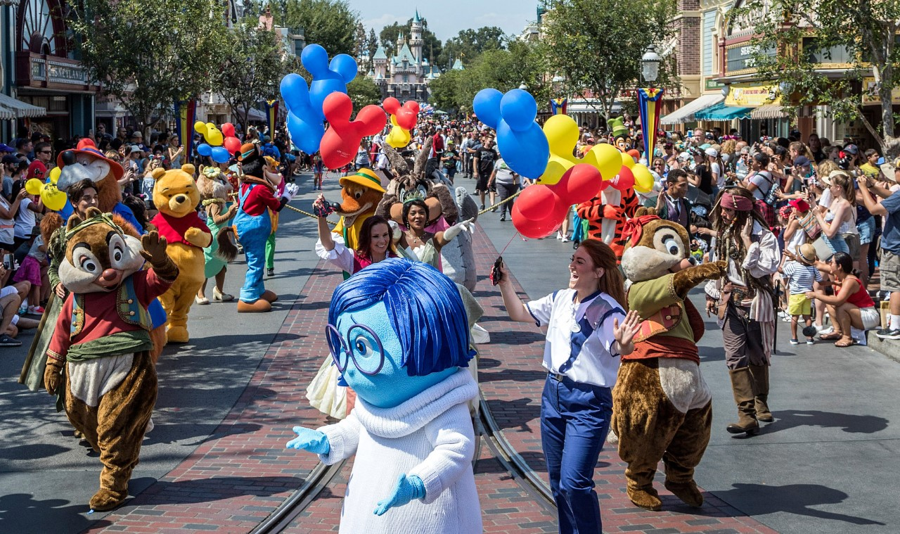 NEWS: Mickey and Friends Band-Tastic Cavalcade Parade Coming