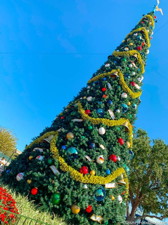 DISNEY LARGE Christmas tree baubles gift set present Mickey Minnie Donald Daisy