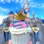 Review! The Magic Happens Royal Cupcake Is Gracing Us With Its Beauty in Disneyland!