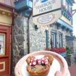 Review! Chocolate Lovers, You NEED to See This New Minnie Mouse Treat in Disney World!