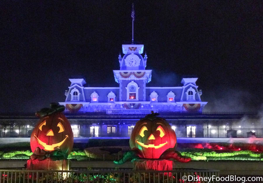 When Does Disney World Decorate For Halloween 2020 Will Walt Disney World Decorate for Halloween This Year? We've Got