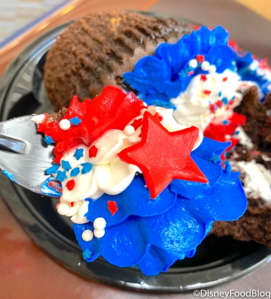 REVIEW! A Cupcake With ALL the Red, White, and Blue Frosting (and a Favorite Got a Patriotic Makeover!) at Disney's Contemporary Resort!
