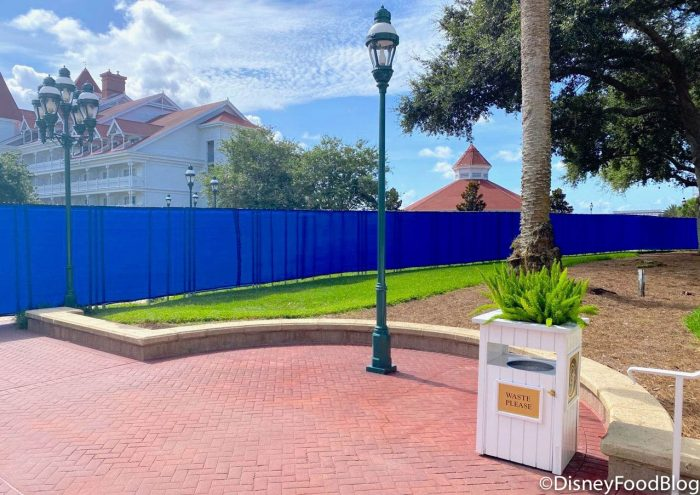 PHOTOS! We've Got a Closer Look at That Crazy BIG Blue Wall at Disney's Grand Floridian Resort!