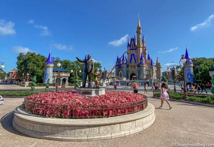 Little Mermaid Happiest Place On Earth Disneyland Walt Disney World Blue and White Sprinkles Mermaid Keychain Pink