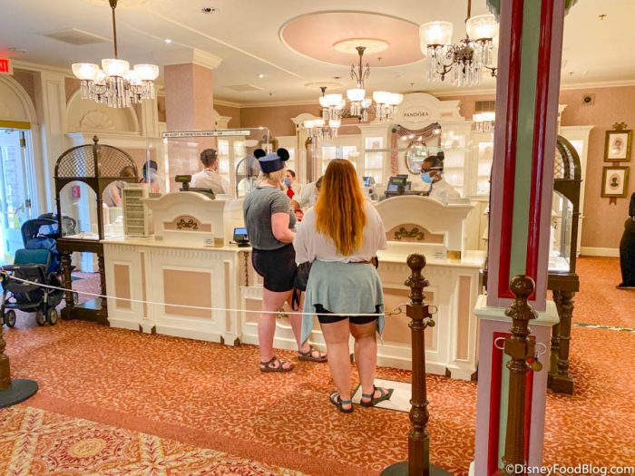 Is Shopping in Disney World Different? Here's What We Experienced Today!