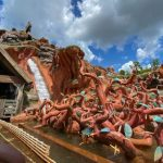 Ummm..Splash Mountain Is Dried Up and Temporarily CLOSED in Disney World!?