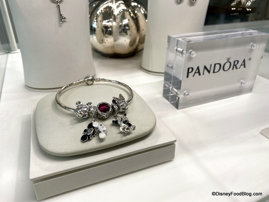 We're Saying 'YES!' to the NEW Bride and Groom Pandora Set in ...