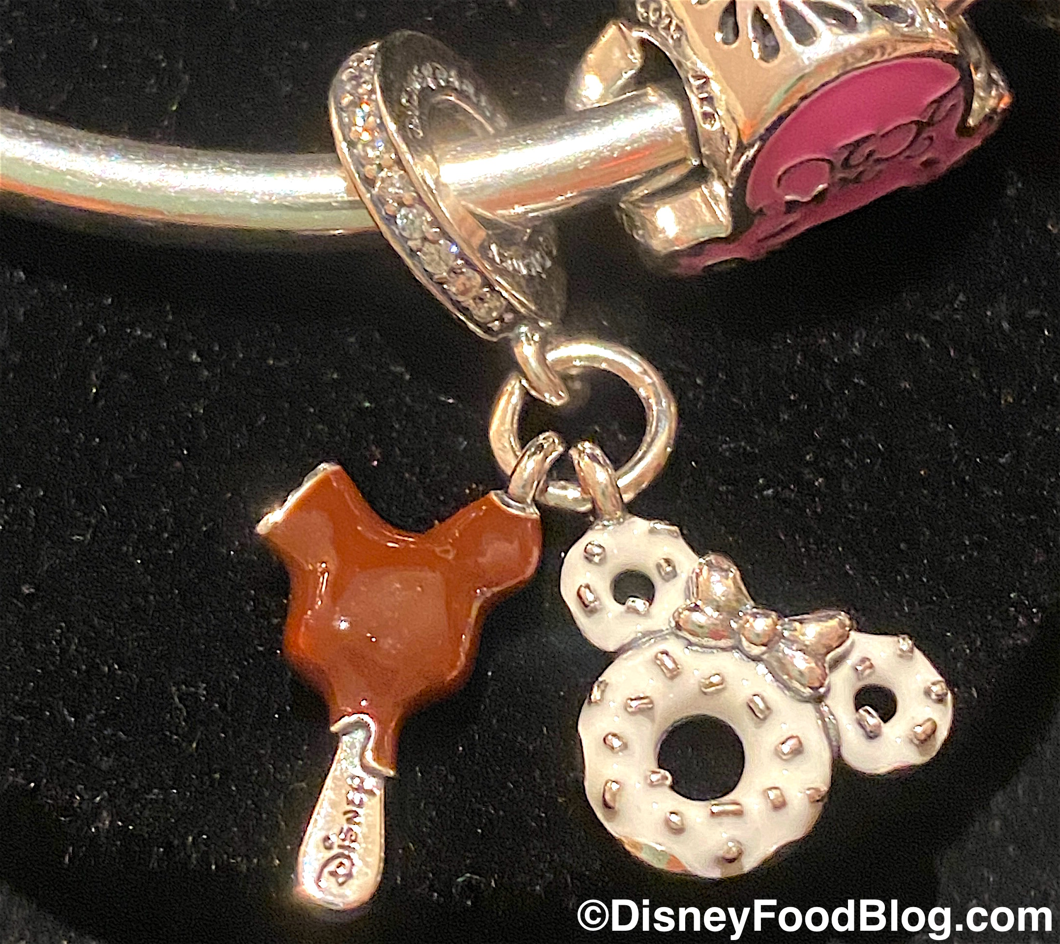 Rep Classic Disney Snacks Attractions And Souvenirs With These Pandora Charms In Disney World The Disney Food Blog