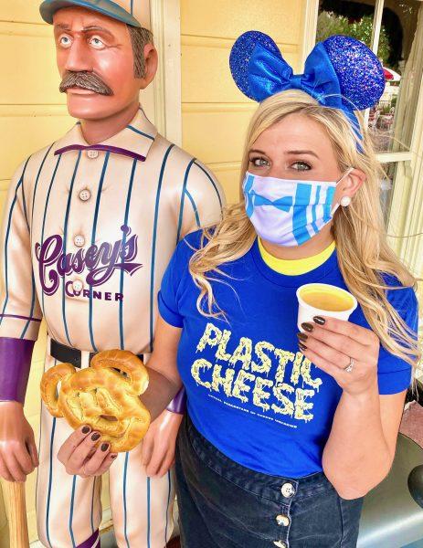 dfb-merch-plastic-cheese-tee-dapper-mask