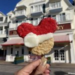 Review! Is This Classic Disney World Treat Any Better With a Holiday Makeover?