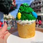 Review: There's a Hidden Mickey INSIDE This New Holiday Cupcake in Disney World
