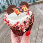 Review: The Strawberry Champagne Cupcake Was Missing An Important Flavor in Disney World!