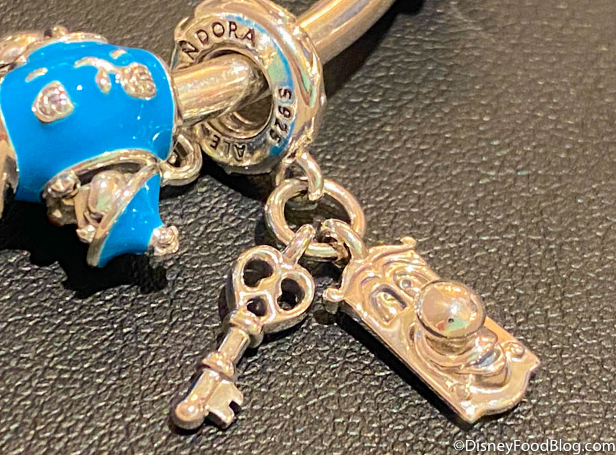 There Are Hidden Messages All Over Disney's NEW Jewelry Collection ...